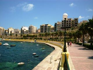 Seashells 2 bedrooms apartment B in Bugibba