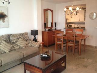 WiFi in Luxurious 2-Bedroom Apartment Benalmadena Costa