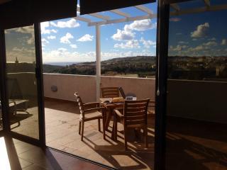 Holiday 2 bedroom Penthouse, Gozo, Fontana