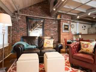 New, Super Cool 2 bedroom steps to Fanuile Hall, Boston
