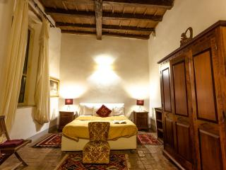 Suite Farnese, Rome