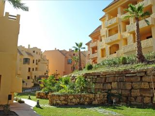 Luxury Ground Floor Apartment in Duquesa Village