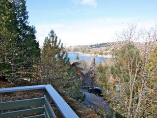 Emerald Lodge - passes to private beach clubs, Lake Arrowhead