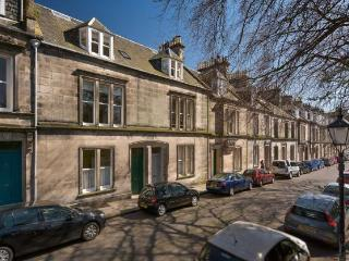 6 Queen's Gardens, St Andrews