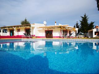 Villa Casinha, Olhos de Água