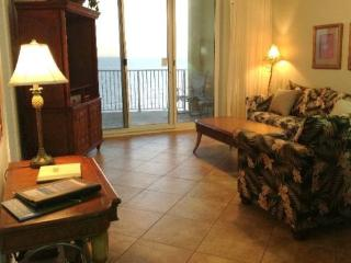 Relax in our 2 Bedroom with a Spacious Curved Balcony at Twin Palms. Includes FREE BEACH CHAIR SERVICE!, Panama City Beach