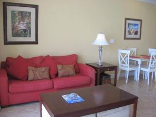 Convenient 6th Floor 1 Bedroom, TWO Bath at Tidewater Resort with FREE BEACH CHAIR SERVICE! Sleeps 6 guests, Laguna Beach