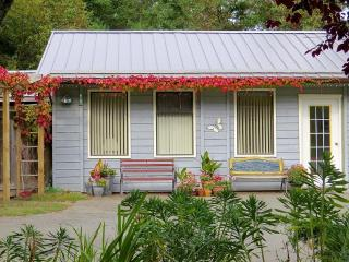 Suncrest Cottage B&B, Salt Spring Island