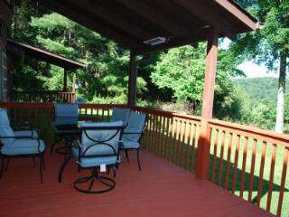 Serenity- spacious cabin w/ views, gameroom, fireplaces, fire pit, near Boone