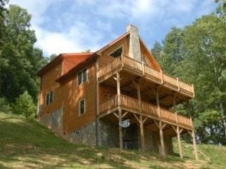 Appalachian Retreat-Views, Pet Friendly, Custom Log Cabin
