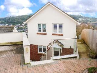 WHITE STEPS, detached, open plan, private garden, in Brixham, Ref 917465