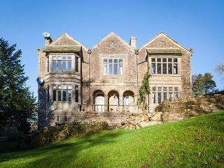 OUGHTERSHAW HALL, stunning country estate with games room, swimming pool and sau