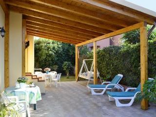Appartamento In villa con piscina a 150 m. dal mare, Fontane Bianche, Siracusa