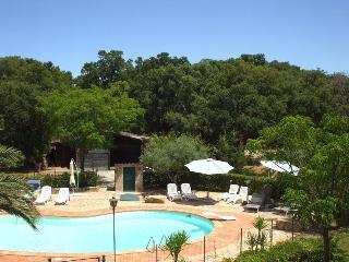 Villa con piscina, vista mare in un parco a Cefalù, Cefalu