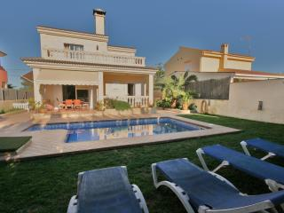 Perfect family house - el Toro ( puerto Adriano )