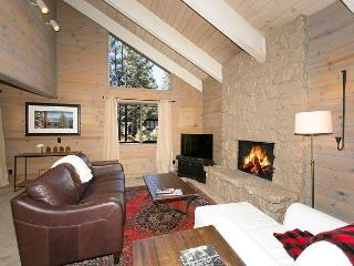 **Front & Center - 3 BR Dollar Point Home - From $250/night**, Tahoe City