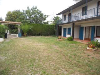 jardín exterior parte delantera de la casa