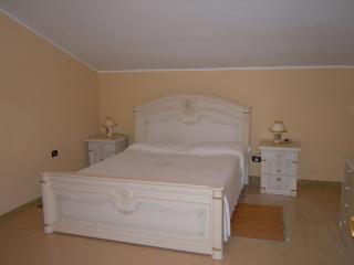 Bilocale 1° piano in villa Fanusa, Siracusa
