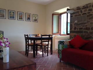Refurbished Mountain Retreat in Lunigiana, Filattiera