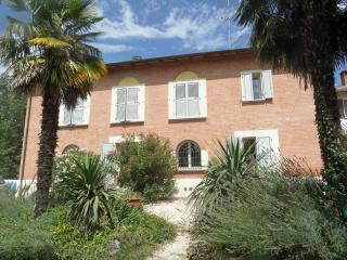 Villa Valetta, Dozza