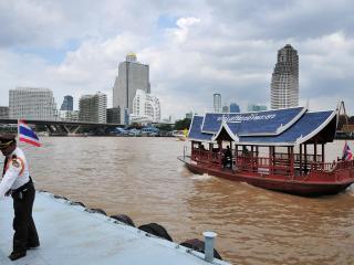 80sqm flat, 2br, 2 toilet, river front property., Bangkok