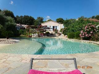 Villa avec superbe piscine privee a 100 m du port