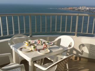Rentascartagena 2 Bedroom Oceanfront apartment, Cartagena