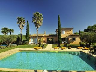 St Tropez 6 Bedroom Villa on a Vineyard heatedpool, Ramatuelle