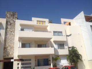 2 bedr, 3 bath, Penthouse, Jacuzzi - Entire Apartm, Playa del Carmen