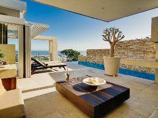 Azure-luxury ,views, walk to beach 3 bedroom Villa