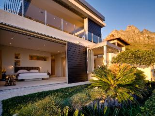 Azure-luxury ,views, walk to beach 3 bedroom Villa