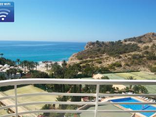 sunny beachfront apartment with stunning sea- and mountain views / free wifi, Villajoyosa