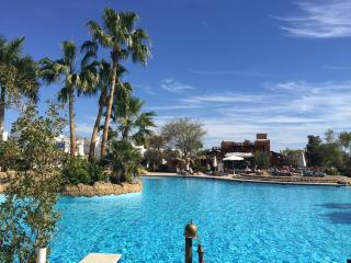 Delta Sharm - 1 bedroom pool view with big terrace, Sharm El Sheikh