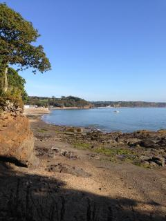 Glen Beach, Saundersfoot on a beautiful Autumn day