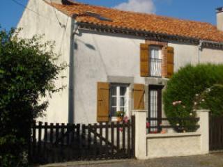 Le Peux Pintureau, Lathus-Saint-Remy