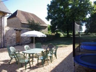 Limousin Farmhouse - Great for 2 families! 5m Outdoor Pool.