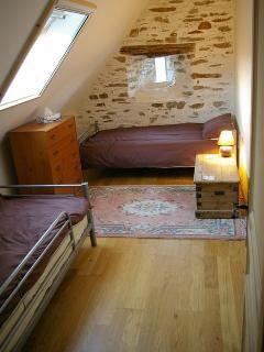 Limousin Farmhouse - Upstairs Twin Room