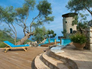 Luxury Villa Del Cielo with Pool  and Sea Views, Spartilas