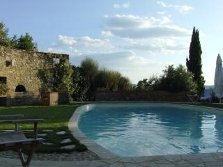 I Casaloni, Apartments in Farmhouse in Chianti
