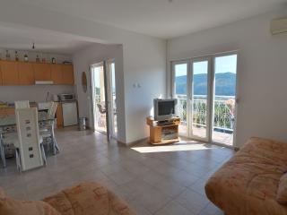 Villa Narandza / Upper Apartment. Sleeps 6