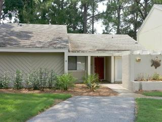 '399 Linkside Dr.' Great Family Vacation, Pull right up to the front door in Golf Cart!!, Miramar Beach