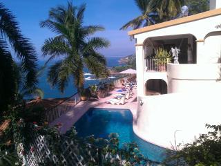Villa Paraiso, 6 bedroom, 5 bath Villa., Acapulco