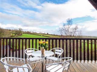 MEADOW VIEW, on-site facilities, en-suite, child-friendly cottage near Gunnislake, Ref. 917976