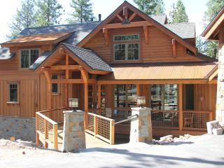 Annex of Serenity Lodge, sleeps 4, Kitchen, pets, Truckee