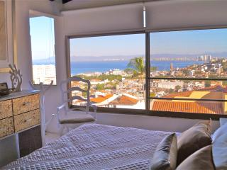 Centric Stylish penthouse with ocean View, Puerto Vallarta