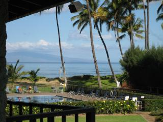 Beautiful High End Ocean Front Condo in Kihei  Mau