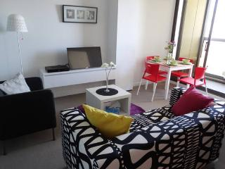 Cloud9 - Melb CBD Lux 2BR Apt 46th Floor Free WiFi, Melbourne