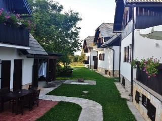 Etno garden- Comfort apartment 2, Plitvice Lakes National Park