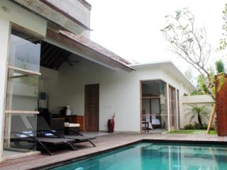 The Decks Bali 2, Luxury Two Bdr Villa with Pool