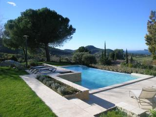SLEEPS 8,PRIVATE POOL,SEA VIEW,NR BEACH AND SHOPS, La Cadiere d'Azur